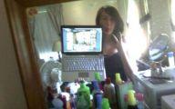 Funny Bathroom Selfies 7 Hd Wallpaper