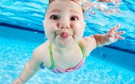 Hilarious Baby Selfies 7 Background Wallpaper