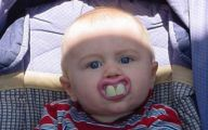 Very Funny Babies 17 Free Wallpaper