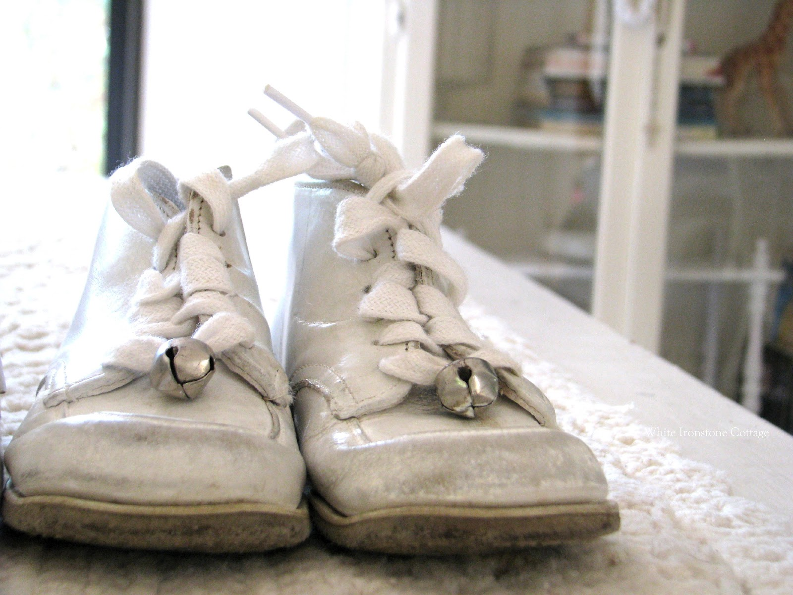 Funny Babies And Children's Shoes 15 High Resolution Wallpaper