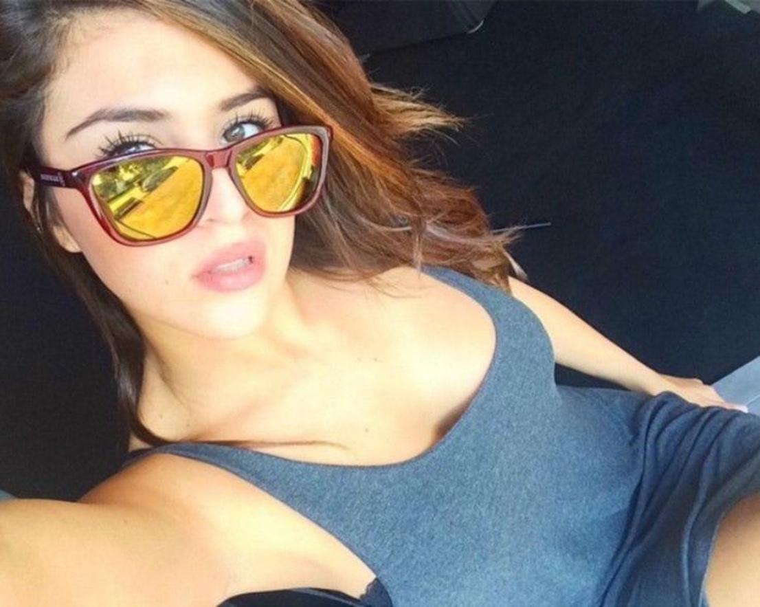 World 100 hot women's selfies