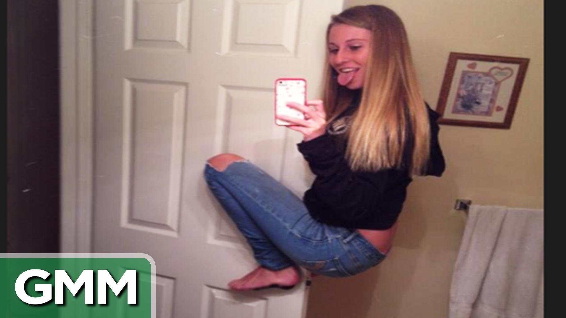 Funny Sexy Selfies Pics 8 Desktop Background